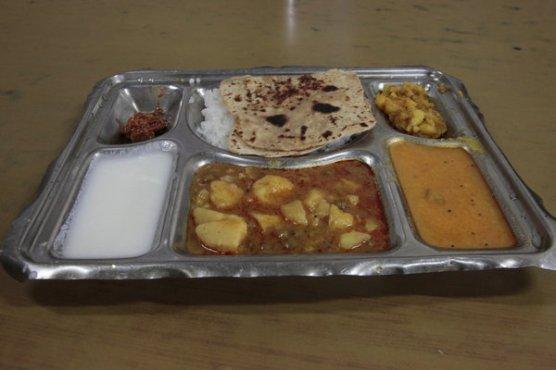 7305228-Prison-Food--22-Rp-Thali-s-0