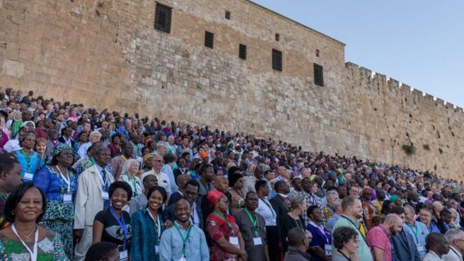 Gafcon-2018s-family-photo-1000x563