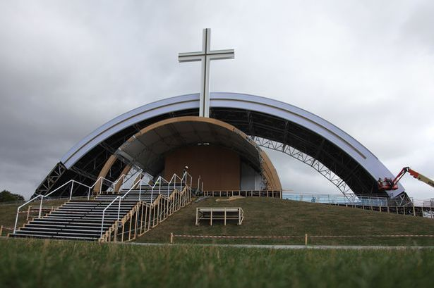 5_The-Papal-cross-in-the-Phoenix-Park-where-the-Pope-will-celebrate-mass