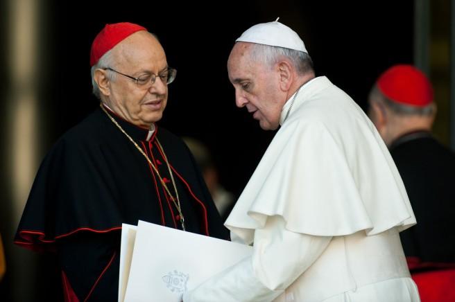 C-cardinal-Lorenzo-BALDISSERI-gauche-presentera-exhortation-apostolique-famille-8-avril-avec-cardinal-Schonborn-photo-prise-durant-synode-